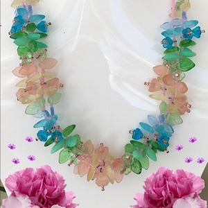 🌺🌴 NWOT:  TROPICAL FLORAL BOUQUET NECKLACE 🌴🌺